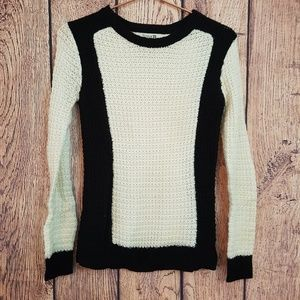 Forever 21 knitted sweater black and white size S